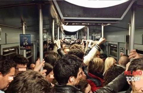 folla metro pendolari sciopero inverno-2 (2)